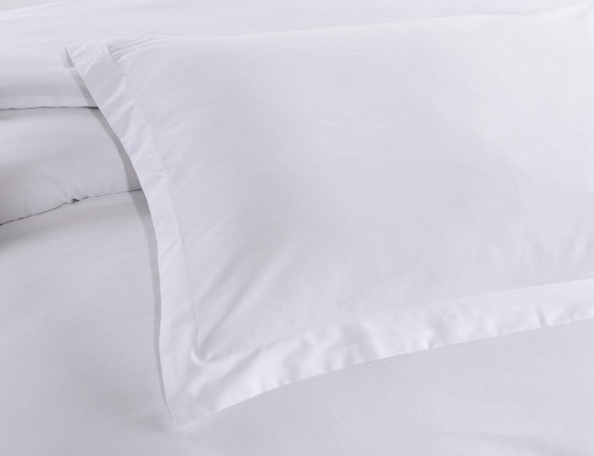 Белое постельное белье с вышивкой