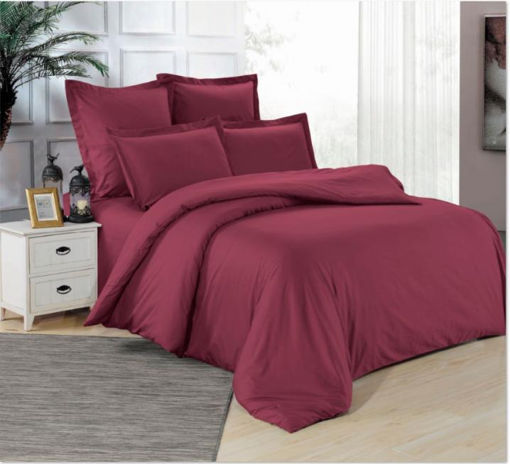 Бордовое постельное белье с вышивкой